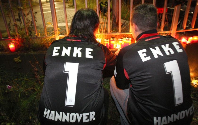 HANOVER : Robert Enke killed himself